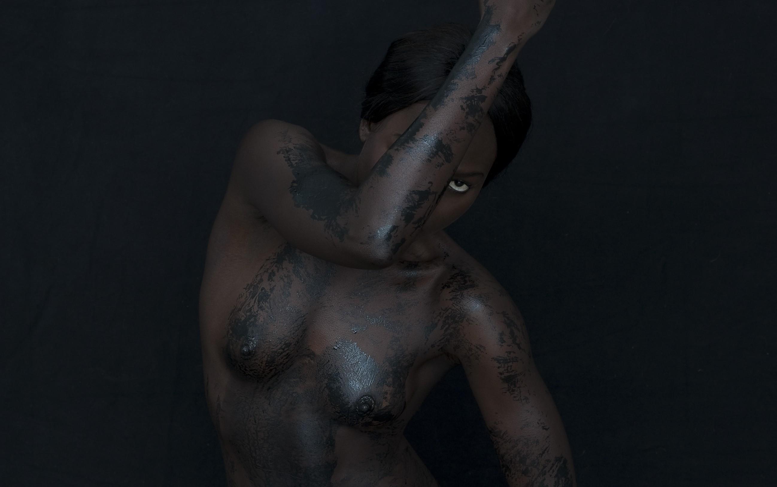 Porno lesbian silk